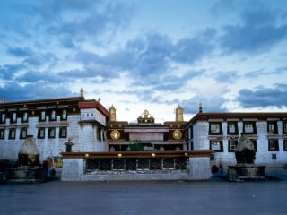 Sacred Tibetan monastery catches fire, no reports of casualties