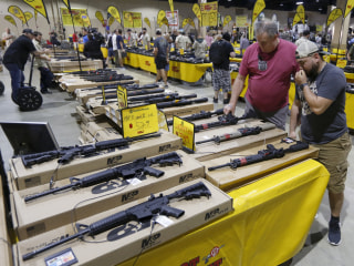 After Parkland school shooting, hundreds attend nearby gun show in Miami