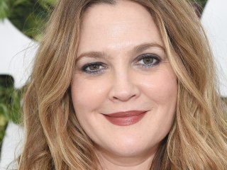 Drew Barrymore refuses to dress up every day: 'I feel like I'm playing a part'