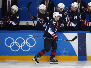 Team USA advances to men's hockey quarters, defeats Slovakia 5-1