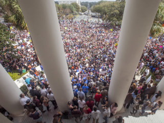 #NeverAgain: Thousands of students descend on Florida's Capitol for gun-reform rally
