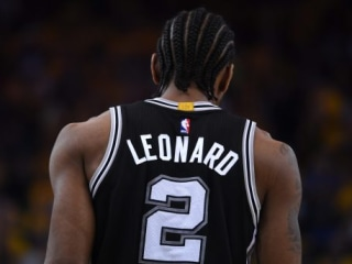 Report: Kawhi Leonard is medically cleared, choosing not to play