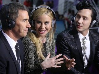 Tara Lipinski and Johnny Weir will host the Closing Ceremony