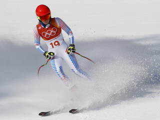 Mikaela Shiffrin wins combined silver, Lindsey Vonn misses gate