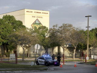 Three sheriff's deputies remained outside school during Parkland shooting