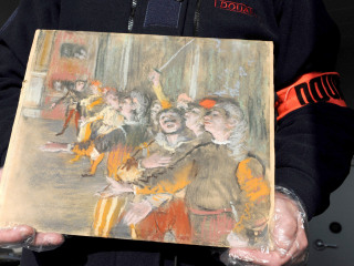 Edgar Degas artwork found on a bus near Paris nine years after being stolen