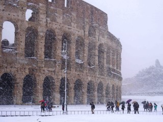 'The Beast from the East' surprises Rome with snowfall