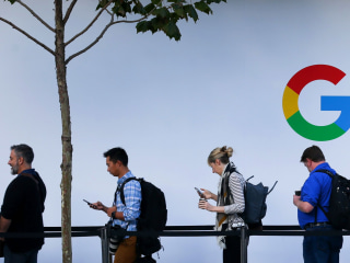 Ex-recruiter accuses Google of hiring discrimination against white, Asian men