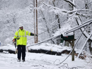 Millions dig out after nor'easter slams East Coast with heavy snow
