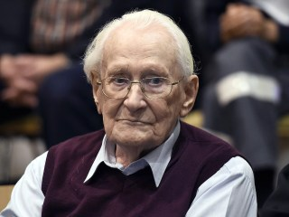'Accountant of Auschwitz,' guard who helped murder 300,000 Jews, dead at 96