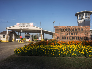Prison guards ordered transgender visitor to strip, lawsuit claims