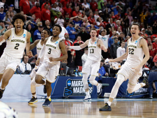 Video: Insane buzzer-beater puts Michigan into Sweet 16