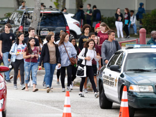 Marjory Stoneman Douglas students to get 'clear backpacks' as safety measure