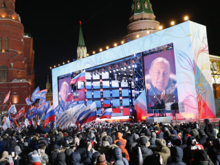 Russia election: Putin sweeps to victory with commanding mandate