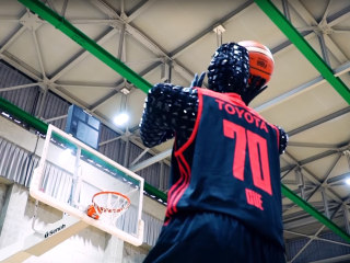 This basketball-playing robot is so good it could outshoot Stephen Curry