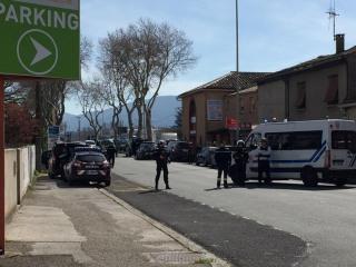 Gunman takes hostages at supermarket in Trèbes, France