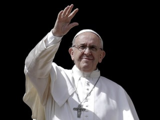 Pope Francis, in Easter address, says 'defenseless' being killed in Gaza violence