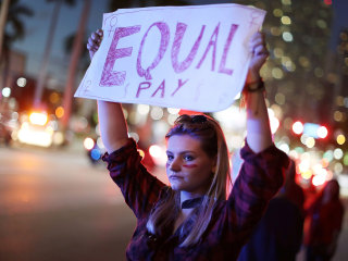 Women can't be paid less than men based on past wages, court rules