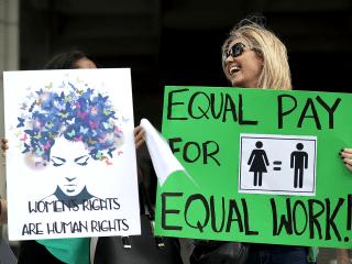 Even in 2018, women's earnings still lag men's