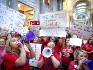 Kentucky court nixes pension law that prompted teacher protests