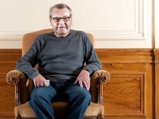 """Milos Forman, Oscar-winning director of """"One Flew Over the Cuckoo's Nest"""" and """"Amadeus,"""" dies at 86"""