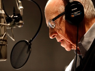 Carl Kasell, longtime NPR newscaster, dies at 84