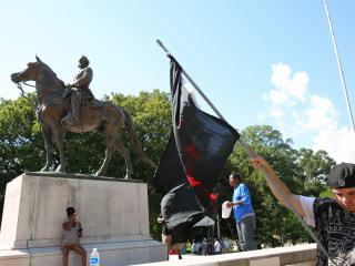 Tennessee lawmakers punish Memphis for removing Confederate statues