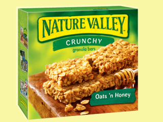 Here's why Nature Valley granola bars are so crumbly, and how to eat them right
