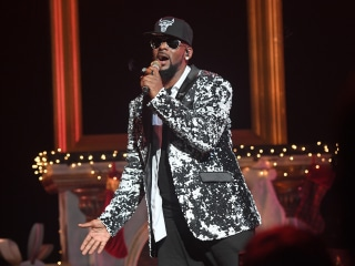 R. Kelly addresses sexual assault allegations in 19-minute song 'I Admit'