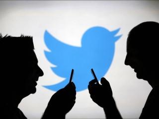 Twitter looks to hide trolls by judging their behavior