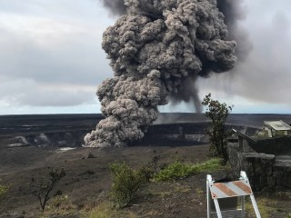 Hawaii's Kilauea volcano could spew boulders the size of refrigerators for miles