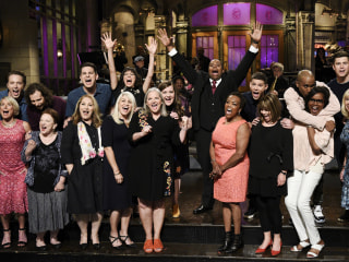 'SNL' tries, and fails, to steer clear of politics in Mother's Day cold open