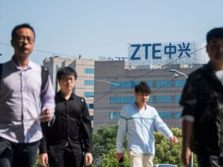 Top intelligence official says Chinese ZTE cellphones pose security risk to U.S.