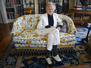 Tom Wolfe, best-selling novelist and journalist, dies at 88