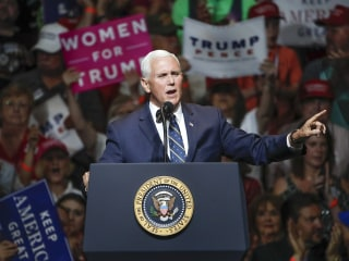 Pence hits the road with top Trump campaign veterans