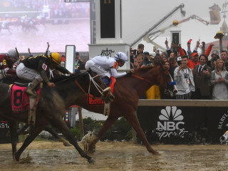 Justify wins 143rd Preakness Stakes to keep Triple Crown hopes alive