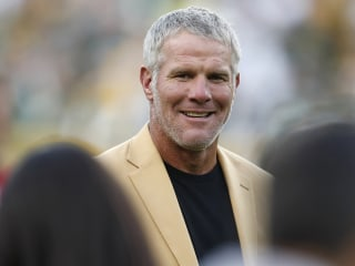 Brett Favre reveals he went to rehab three times
