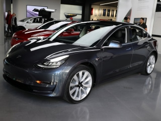 After flubbing a Consumer Reports recommendation, Tesla makes amends