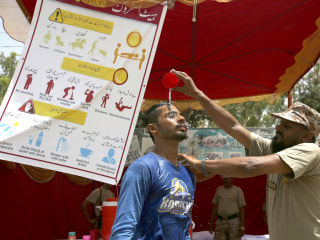 65 dead in Karachi, Pakistan, as temperature tops 111 degrees