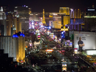 Las Vegas casino workers vote to authorize strike
