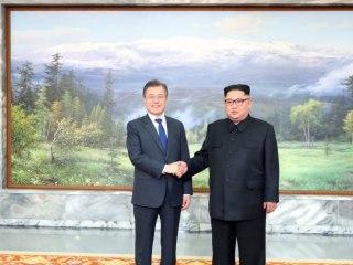 Korean leaders hold surprise second summit as Trump says Kim talks could go ahead