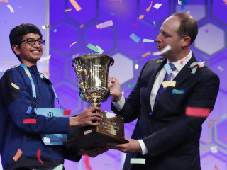 Texas teen wins largest Scripps National Spelling Bee