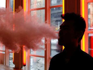 Vaping essays: e-cigarette sellers offering scholarships