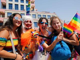 Tel Aviv pride parade draws 250,000 Israelis, foreigners