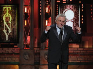 Robert De Niro drops the F-bomb on Trump — twice — at Tonys