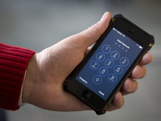 Suit demands TSA explain phone searches of passengers on domestic flights