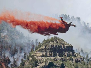 Wildfires scorch drought-stricken West