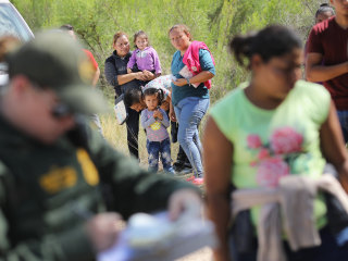 Despite claims, GOP immigration bill would not end family separation, experts say