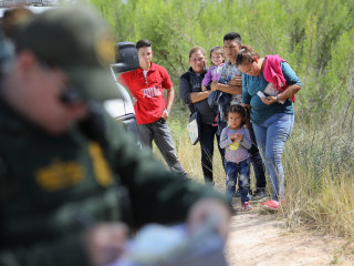 No clear path forward in Congress to end family separations
