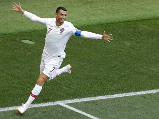 Early Ronaldo goal gives Portugal win over Morocco